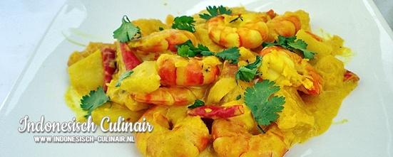 Gulai Kuning Udang Nanas | Indonesisch-Culinair.nl