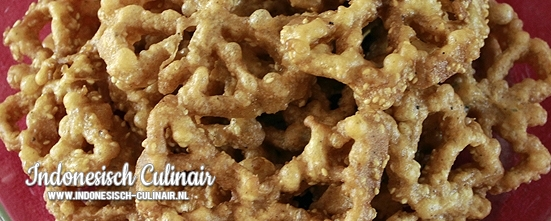 Kue Kembang Goyang Wijen | Indonesisch-Culinair.nl