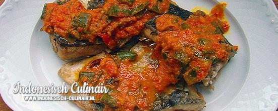 Ikan Mas Bumbu Kuning | Indonesisch-Culinair.nl